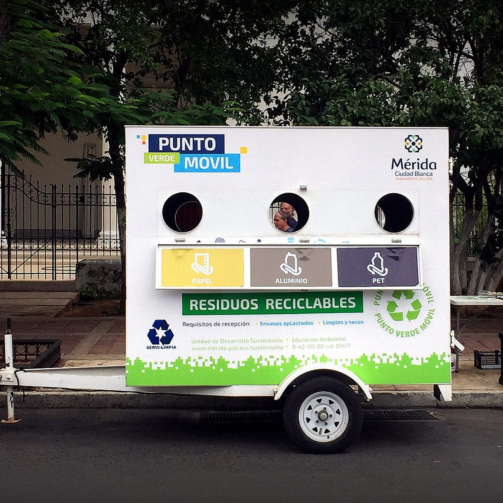 Punto Verde Movil — recycling on wheels.