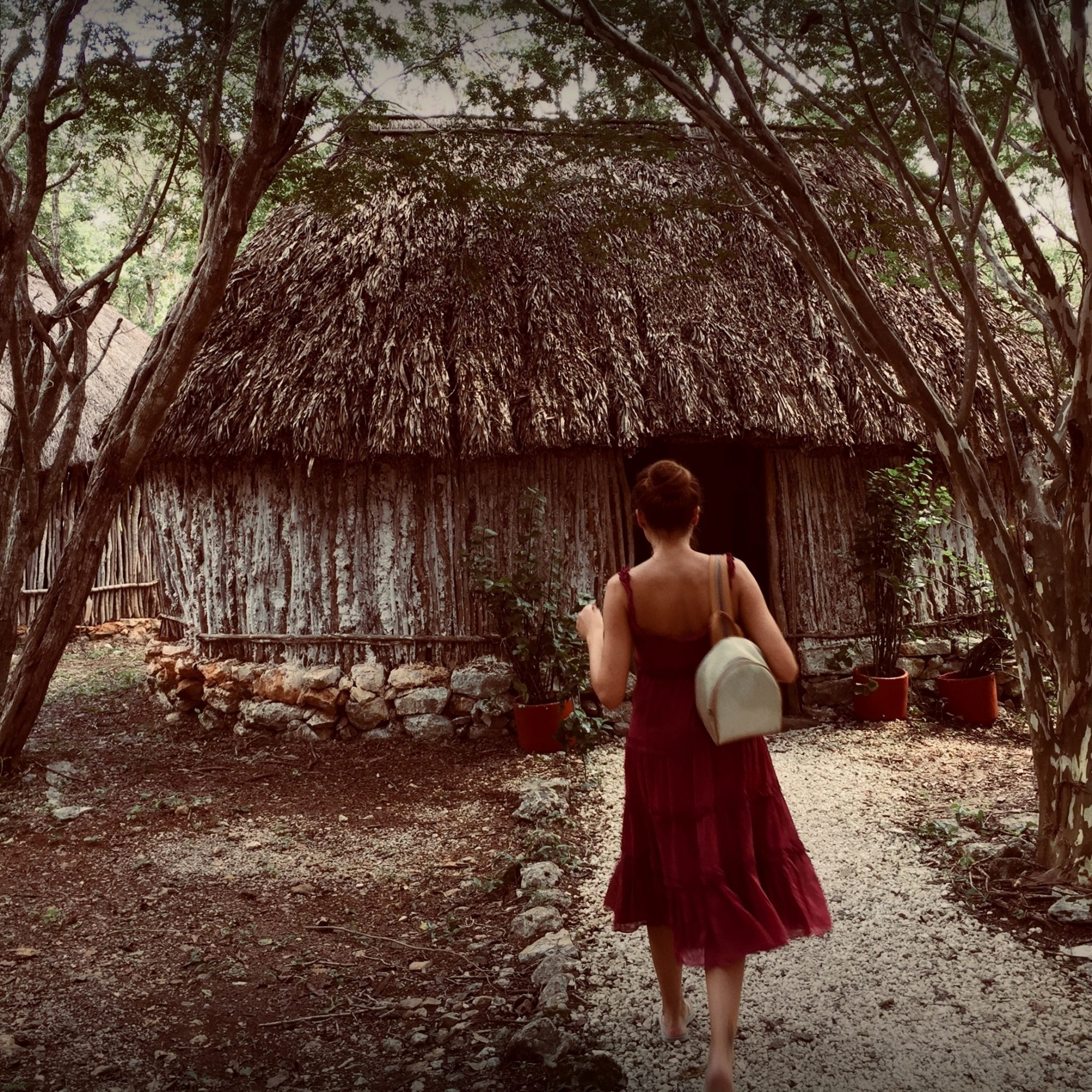 Step into the heart of Mayan culture and be transported by ancestral traditions.