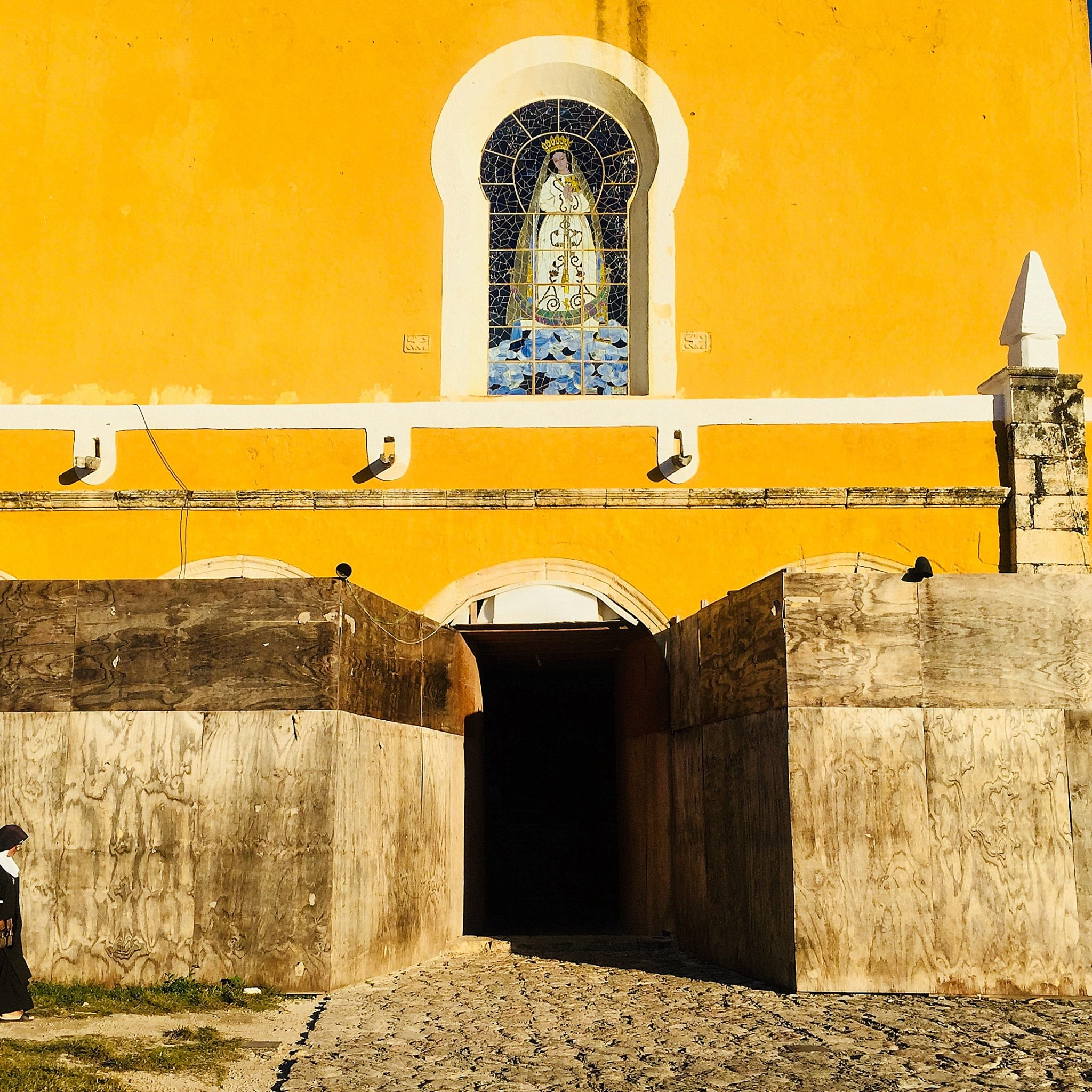 John Paul II expressed his support for the Mayan culture and identity during his visit to Izamal in 1993.